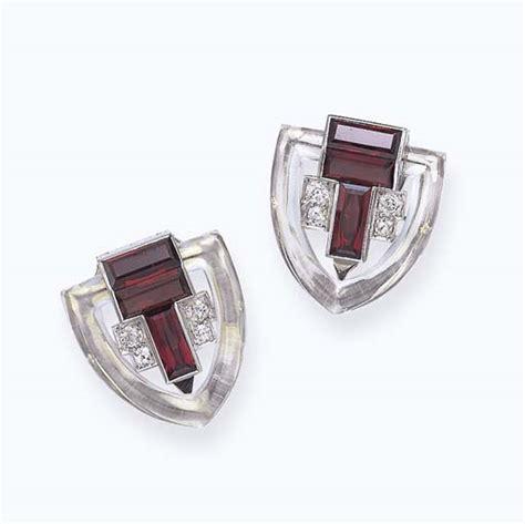 Gelang Cartier Gelang Cartier Clip an deco rhodolite garnet and clip brooch cartier circa 1930 of geometric design