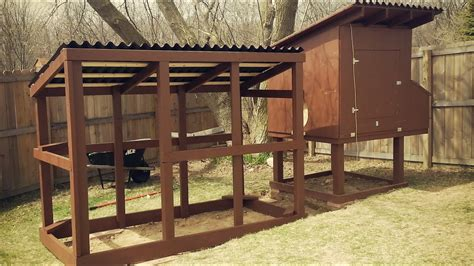 easy to clean backyard suburban chicken coop free plans