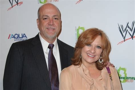 details on lawsuit against manzos and lauritas manzo d with money problems al caroline manzo s