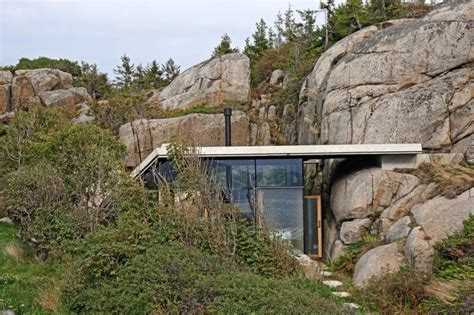 the rocks house seaside cabin on the rocks in knapphullet by lund