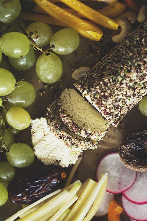 Snack Natal t 225 bua de snacks para o natal rolo de quot queijo quot de caju