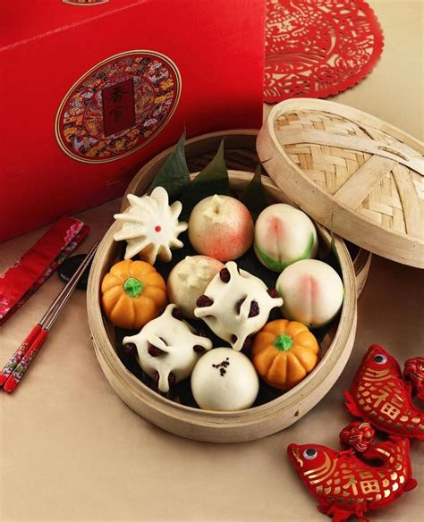 new year traditions decorations the 25 best new year traditions ideas on