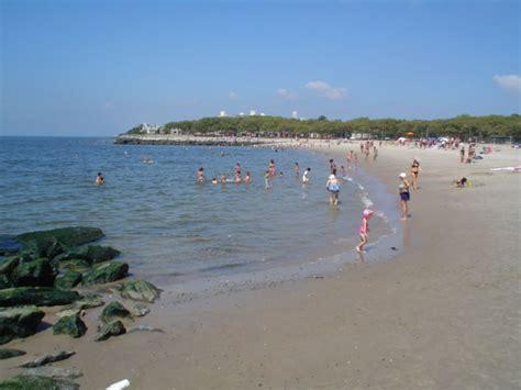 friendly beaches nyc manhattan park beaches nyc parks