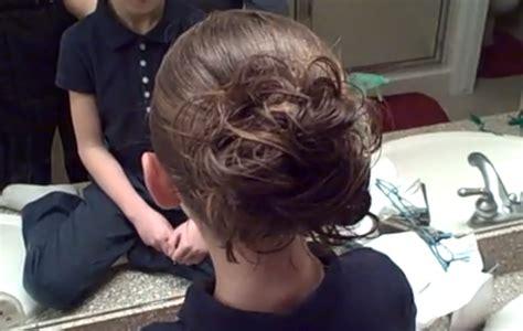 cute girl hairstyles messy bun messy bun easy hairstyles