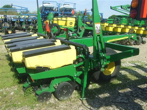 1780 Deere Planter by Deere 1780 Planters For Sale 9859