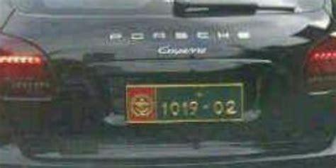 Sticker Stiker Plat Motor Tni Ad Berkualitas deretan mobil mewah ini arogan dengan pelat nomor tni merdeka