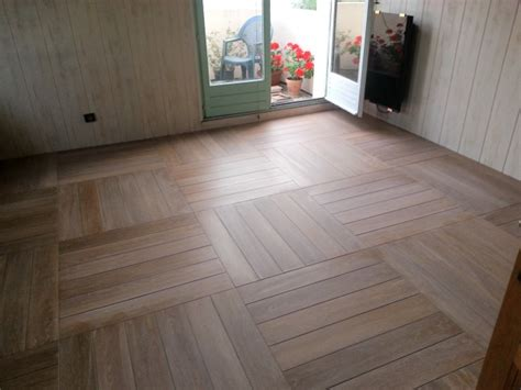 Joint Carrelage Imitation Parquet by Pose De Carrelage Imitation Parquet