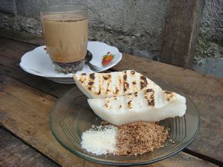 Serundeng Kelapa Cap Mahkota ayo jajan uli bakar cocol gula serundeng secuil kenikmatan masa lalu