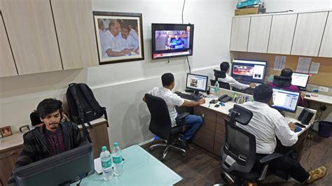 social media room mumbai civic polls social media is the new door to door