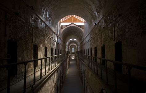 top scary places to visit slideshow