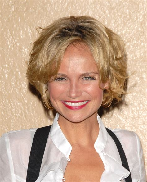 kristin chenoweth short hairstyle with hairstyles hair myexperiencehairstyle blogspot com other kristin chenoweth