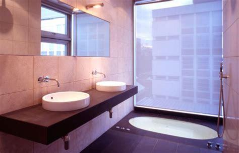 15 beautiful bathrooms featuring sunken bathtubs