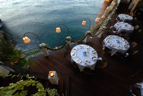 grotta palazzese hotel restaurant built inside an italian cave let s you dine with breathtaking views bored panda