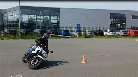demi tour moto 224 la japonaise technique de