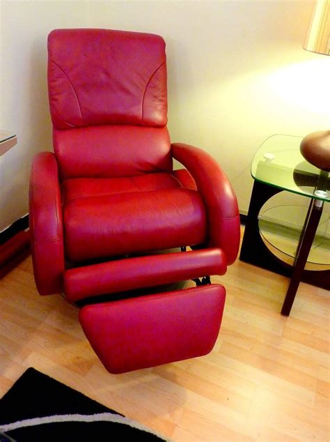red recliners for sale red leather recliner by lane for sale at 1stdibs