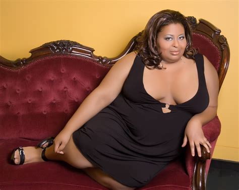 erica cbell red couch erica watson s fat b tch makes limited run in chicago