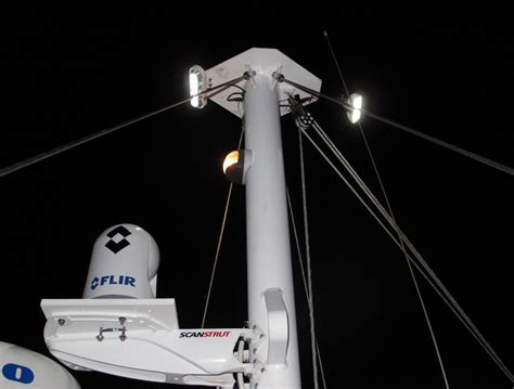best led spreader lights panbo the marine electronics hub oceanled lumitec