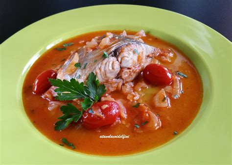 pesce serra cucina pesce serra con pomodorini e cipolla a tavola coi