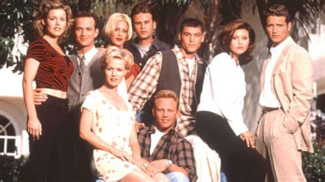 beverly hills 90210 original cast of now unauthorized beverly hills 90210 story coming to