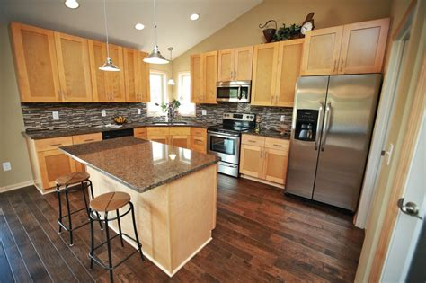 kitchen cabinets usa quality northern maple kitchen cabinets in minneapolis usa