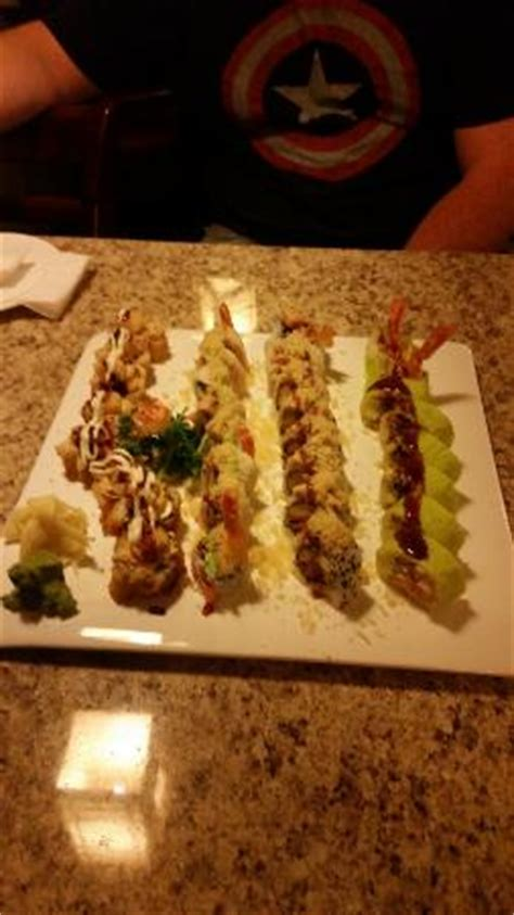 johnny roll house yi serves up a simple 10 95 lunch special temperature shrimp roll six fresh sushi
