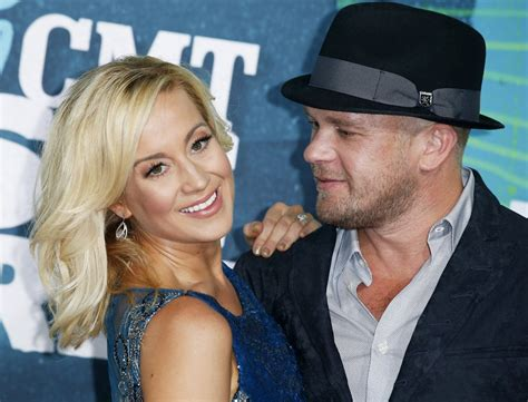 Kellie Kyle Pickler Hairstyle Photos by Kellie Pickler 2013 Cmt Awards Arrivals Photo Credit