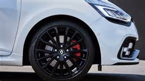 Renault Clio Sport Wheels 2017 Renault Clio R S Unveiled With Light Facelift