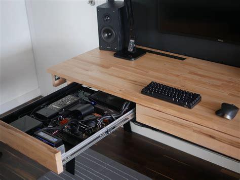 desk pc 2 0 den computer im schreibtisch verschwinden lassen - Schreibtisch Mit Computer