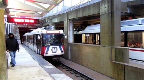 st louis light rail st louis metrolink train getting in the stadium station