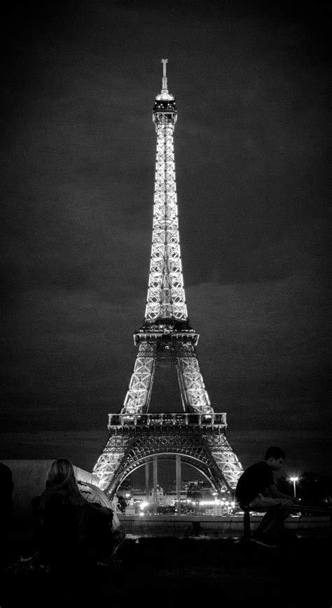 black and white eiffel tower wallpaper eiffel tower in black and white by yabbus23 on deviantart