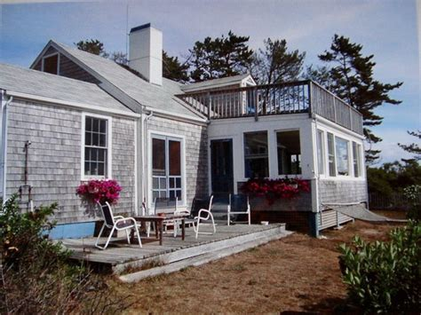 classic nantucket cottage vrbo
