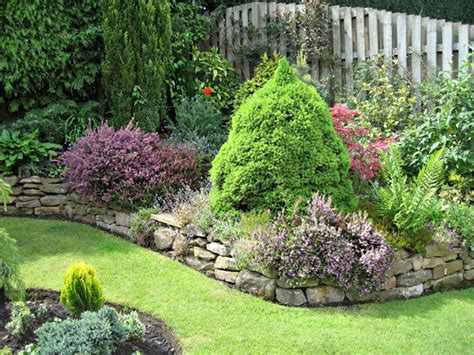 Ideas Small Gardens Small Garden Ideas Images Modern Home Exteriors