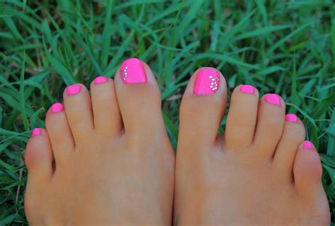 summer toe colors summer toe nail designs 2018