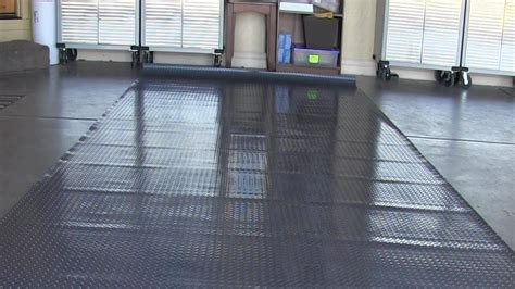 Garage Mat by I Unrolled Garage Floor Mat And It Won T Lay Flat