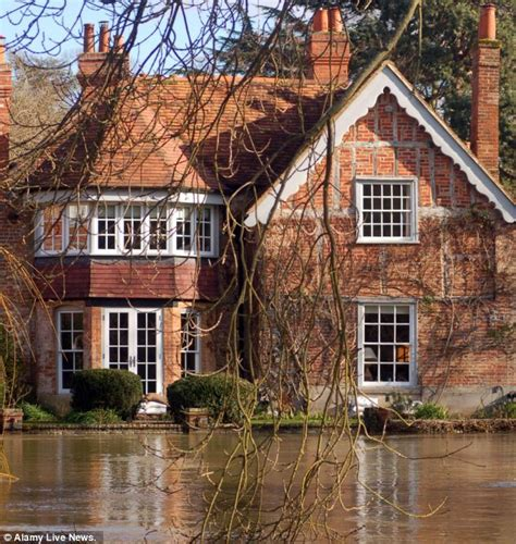 george michael home george michael hopes flooding river thames won t wreck his