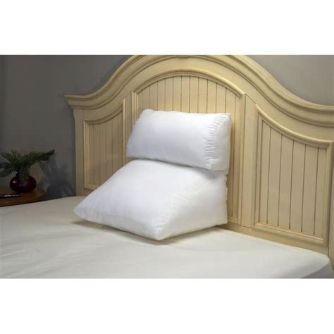 incline pillow for bed 1000 ideas about bed wedge pillow on pinterest wedge