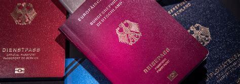 wann benã tigt einen reisepass zerfledderte dokumente ung 252 ltig abgenutzter reisepass