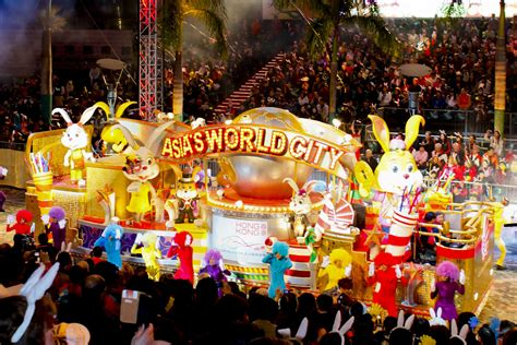 new year parade hk how to avoid crowds in popular cny destinations