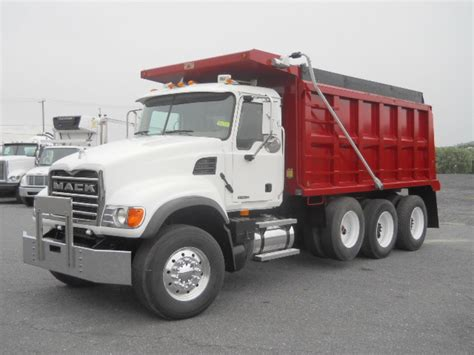 mack trucks for sale 2007 mack cv713 for sale 83440