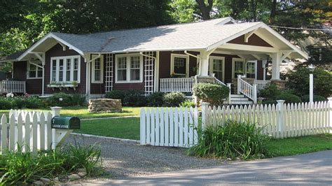 savannah style homes american bungalow style homes colonial style homes