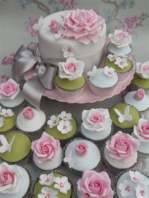 beautiful cupcake beautiful cupcakes vintage wedding style