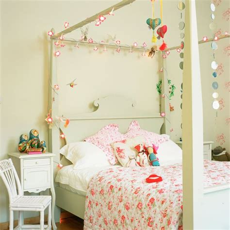 Light For Child S Bedroom White S Bedroom With Painted Four Poster Bed