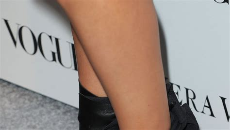 celebrity dresm feet mila kunis feet