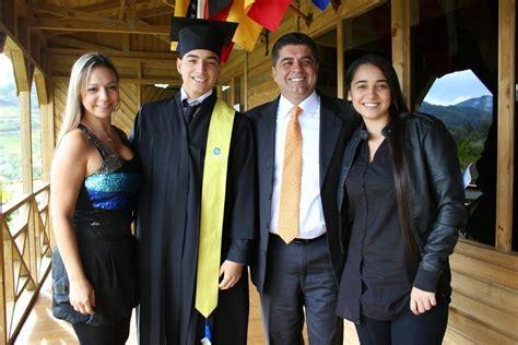 la hermana de maluma maluma maluma y su familia