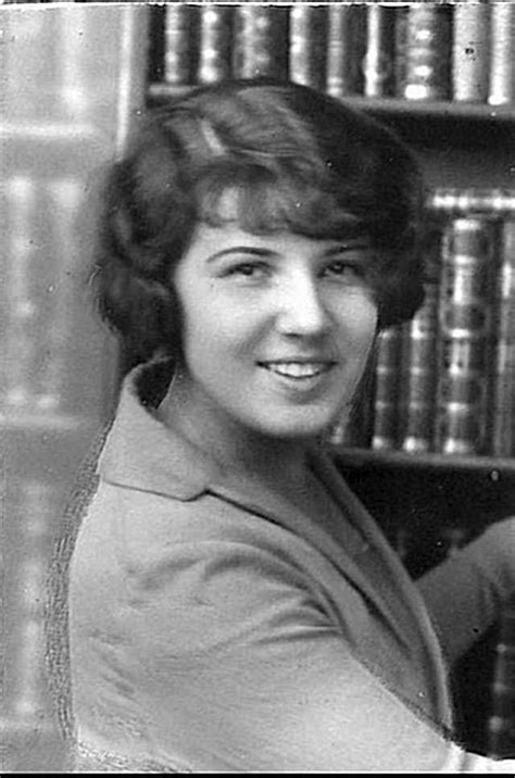 names of 1920s hairstyle retro fashion women fashionable hairstyles from the 1920s