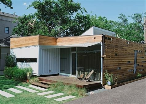 shipping container homes the complete guide to shipping container homes tiny houses and container home plans books are shipping container homes energy efficient container