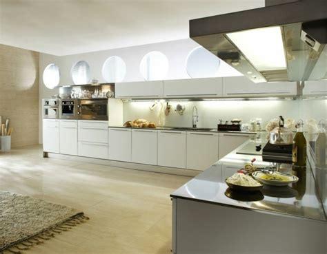 Küche U Form Mit Fenster by K 252 Chen L Form Mit Fenster Dockarm