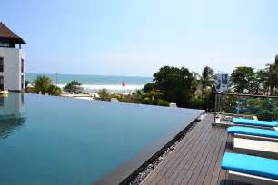 Infiniti Pool Infinity Edge Pool On Infinity Pools And