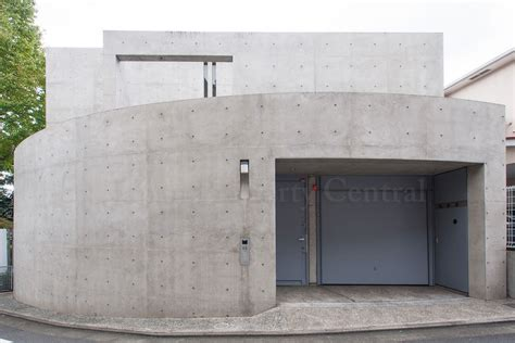 Tadao Ando designed house in Tokyo for sale ? JAPAN