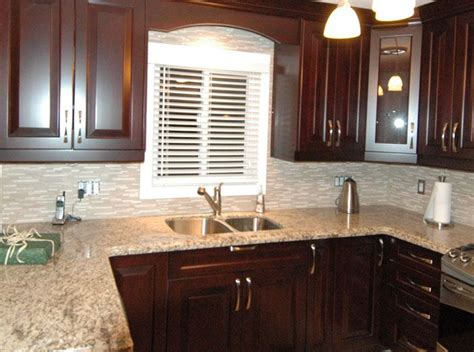 red mahogany kitchen cabinets 21 best images about kitchens light countertop and cherry